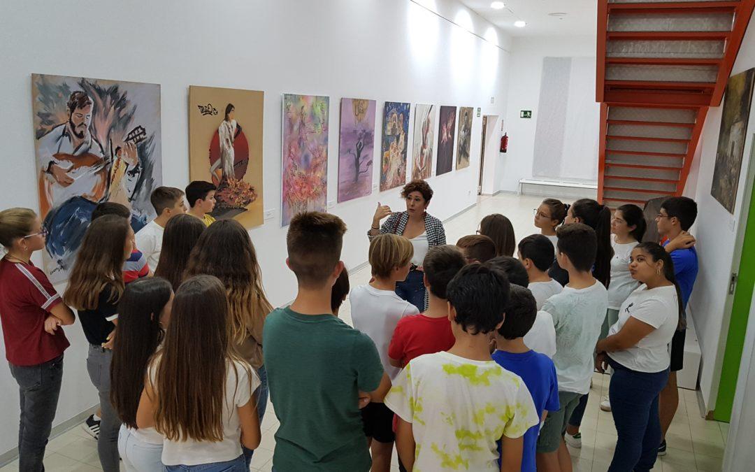 """Visita de 1º de ESO a la exposición de pintura y fotografía  """"Pintando el Cante"""" Diversas Miradas"""